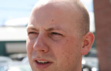 男人掉眉毛是怎么回事呢